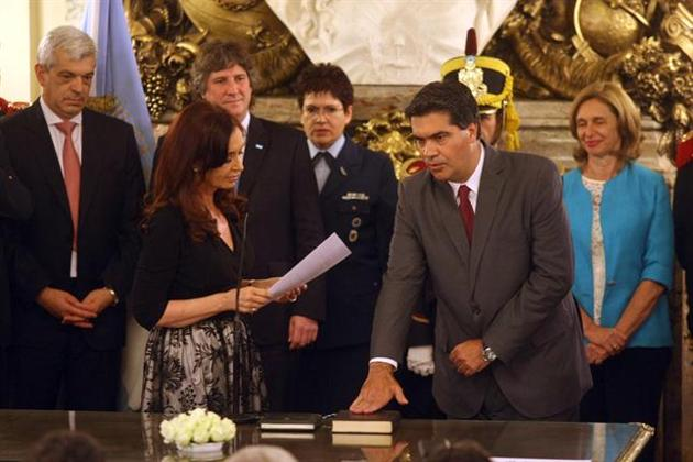 Cristina  jura ministros